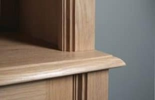 Quelle finition sur les meubles en bois massif ?